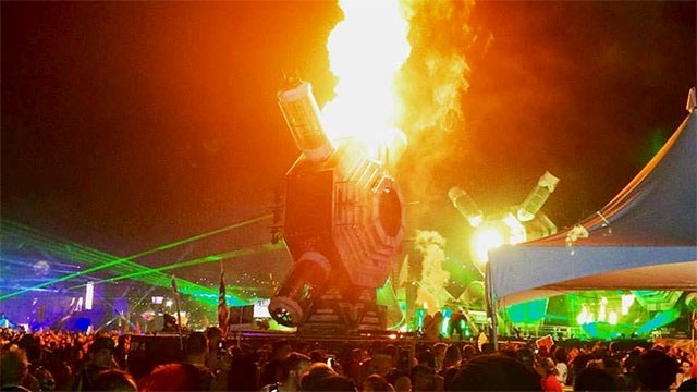 EDC on fire img Mike Naidas/Facebook