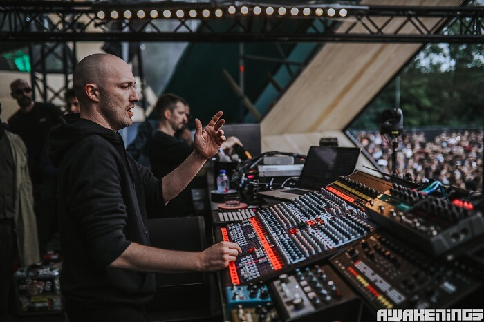 paul kalkbrenner presents showcase 39 back to the future 39 during ade 2017. Black Bedroom Furniture Sets. Home Design Ideas