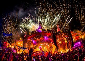 tomorrowland atmosphere