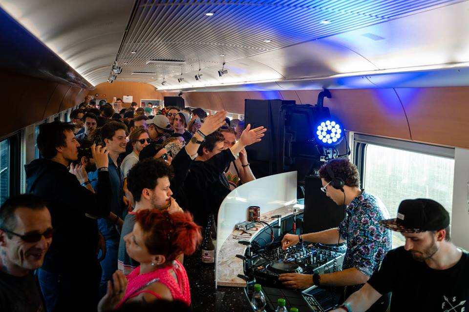 techno train